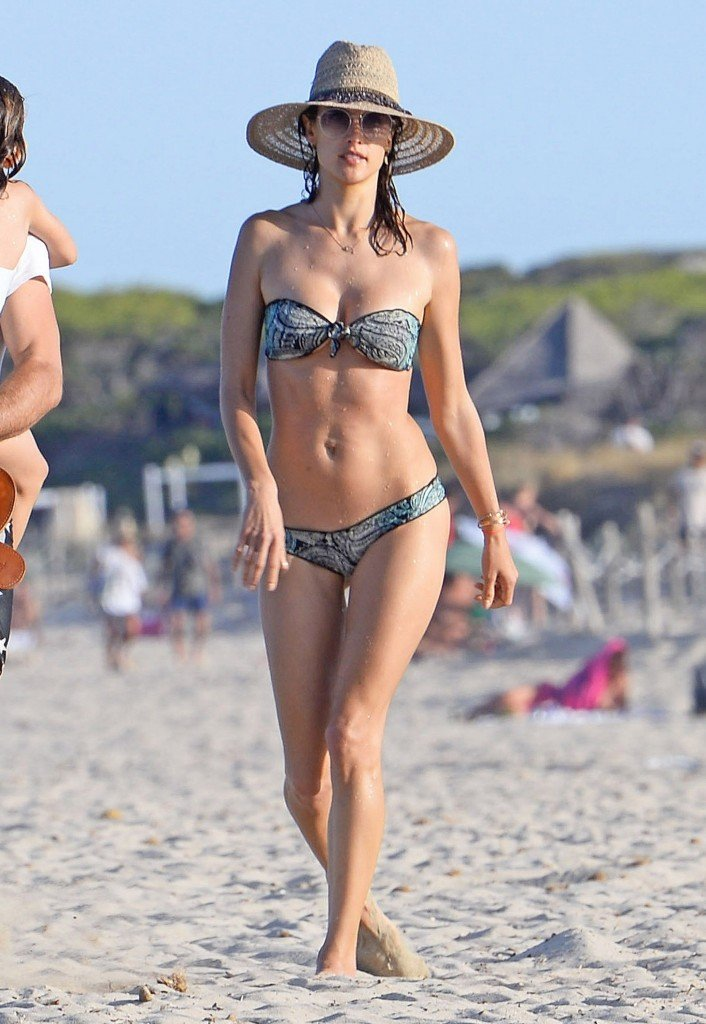 Alessandra Ambrosio Sexy 2