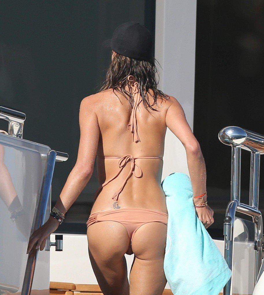 Alessandra Ambrosio Sexy 33