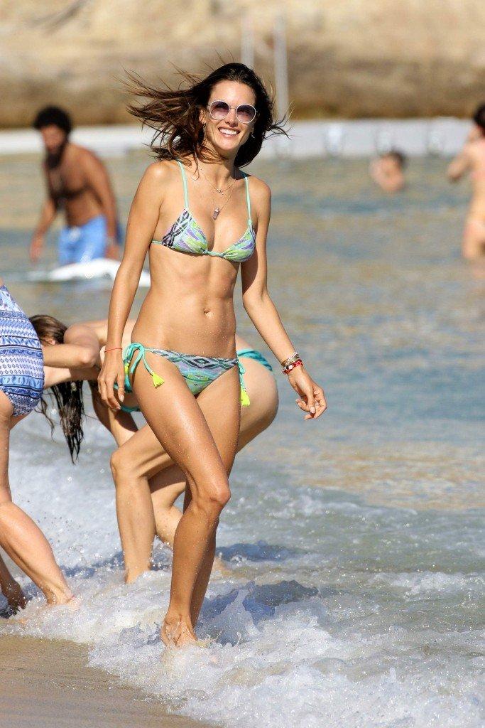 Alessandra Ambrosio Sexy 4