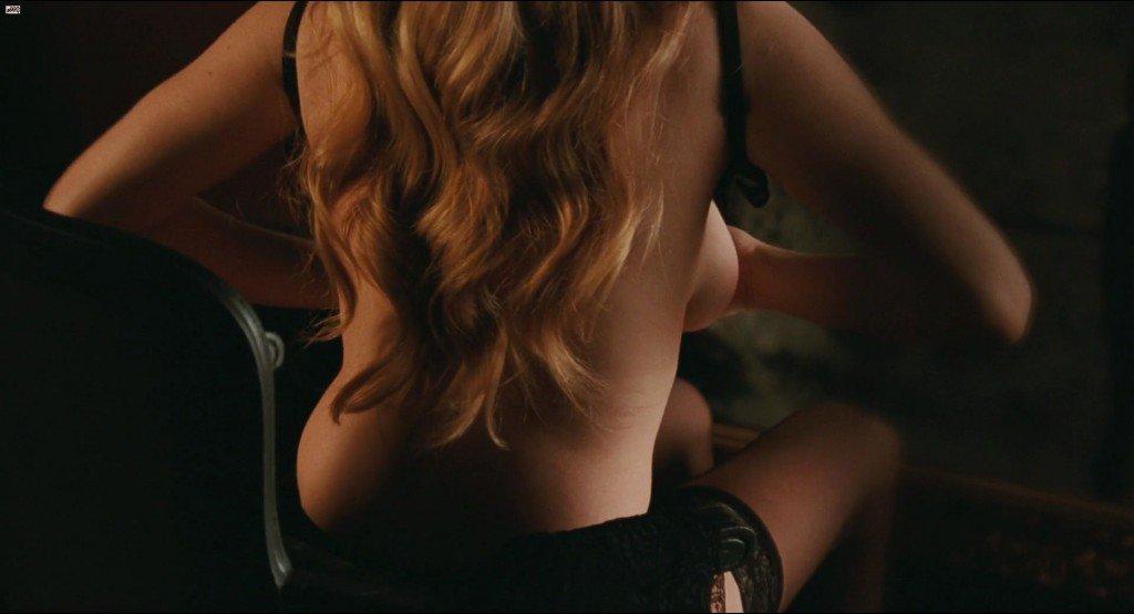 Amanda Seyfried Nude 2