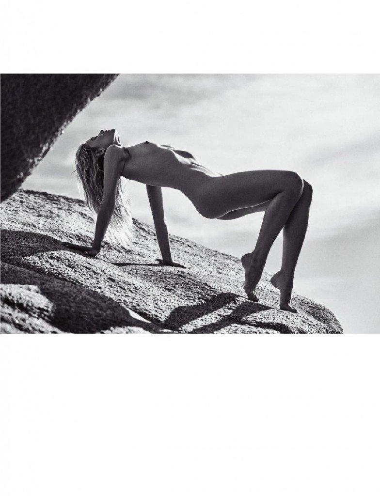Barbara Di Creddo Nude & Sexy 7