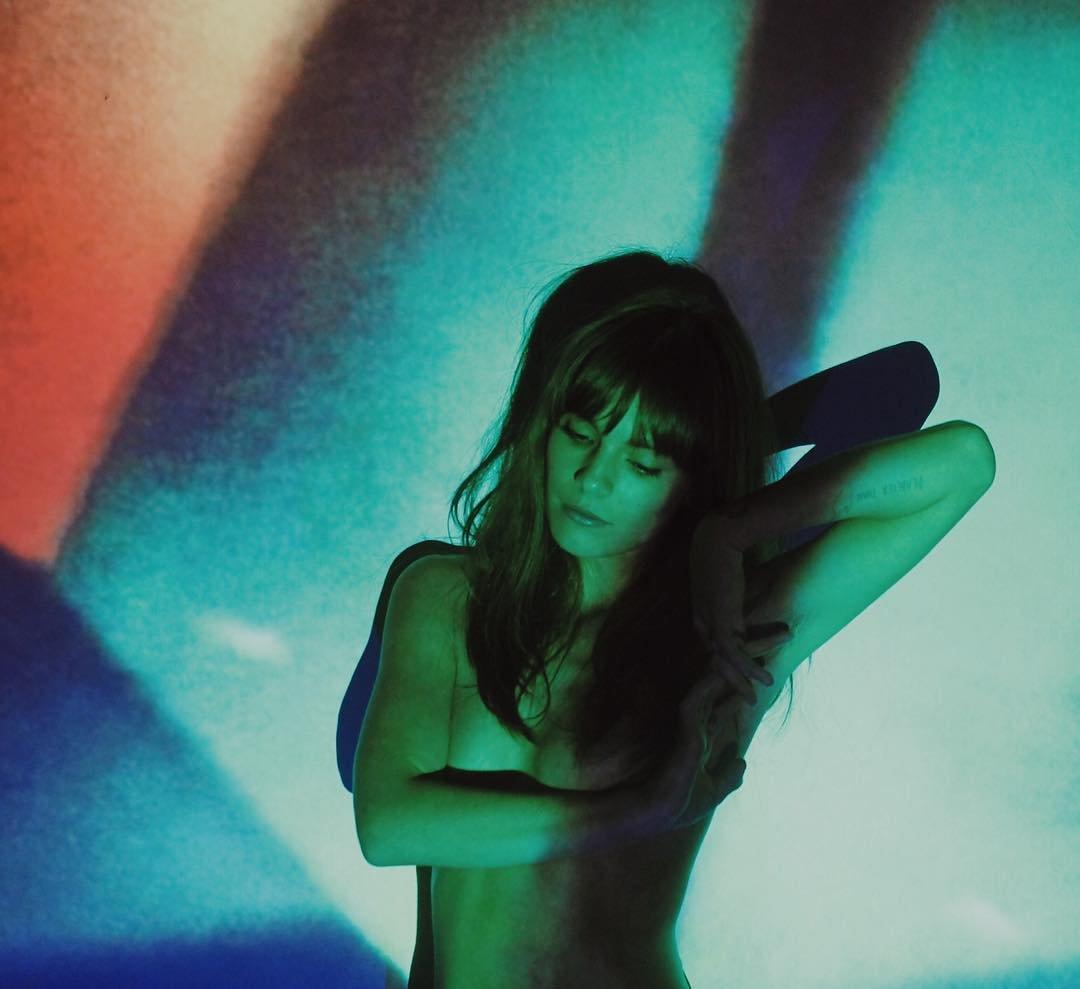 gipsy girl nude