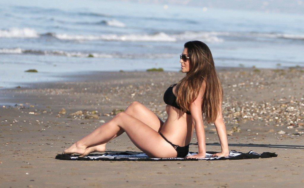 Casey Batchelor Sexy (25 Photos)