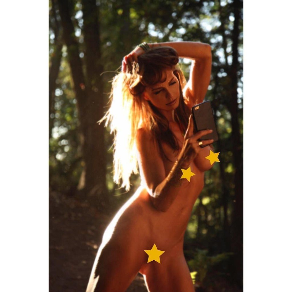 Warm Chrisma Carpenter Nude Naked Gif