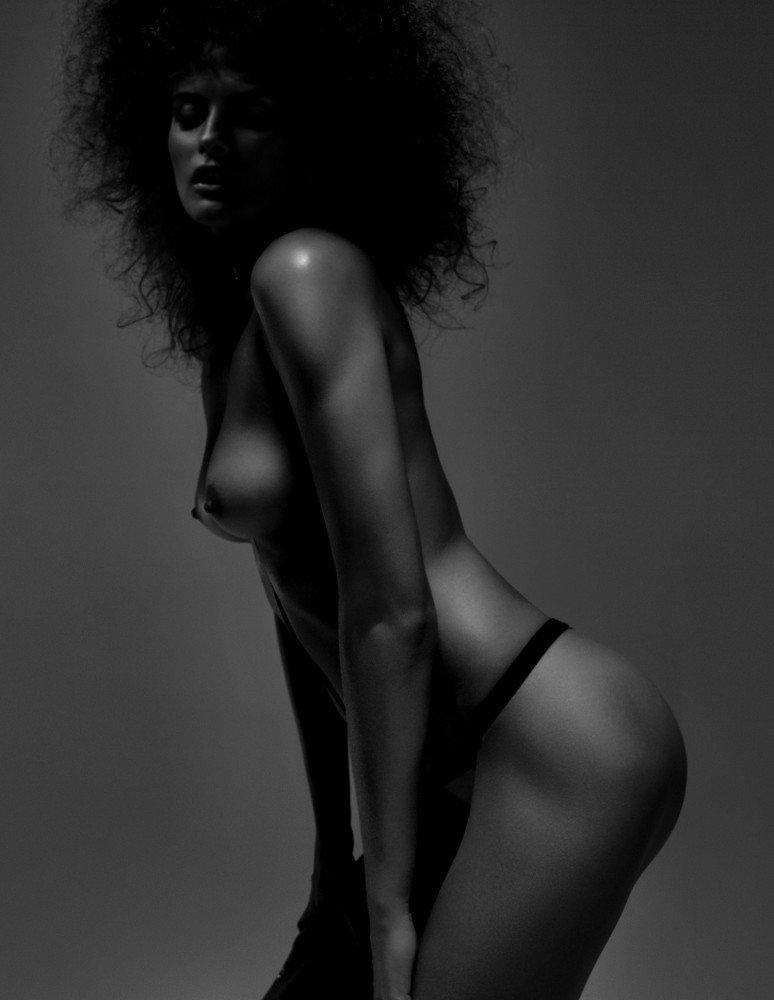 Elena Melnik Sexy & Topless 2