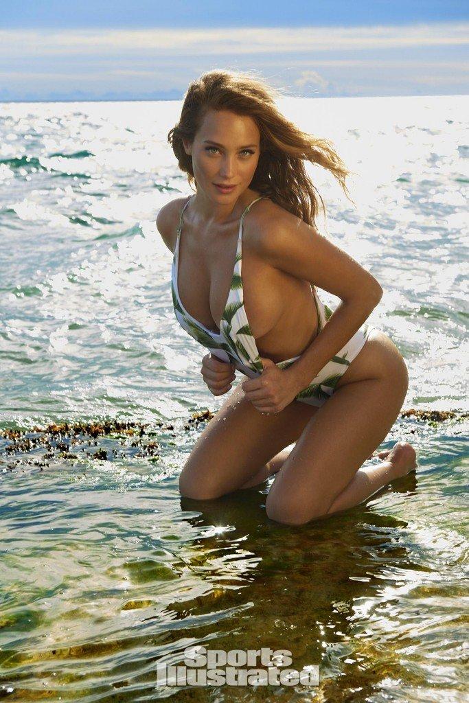Hannah Davis Sexy (4 Photos)