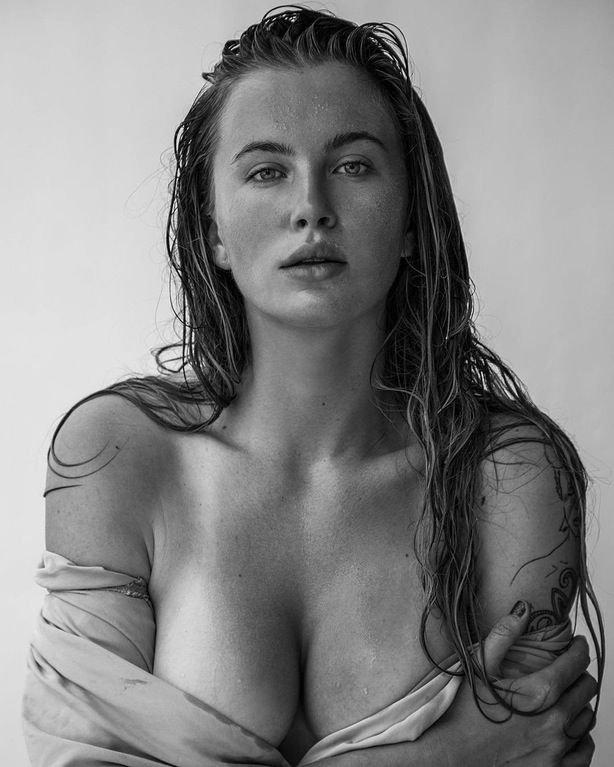 Ireland Baldwin Topless (1 Photo)