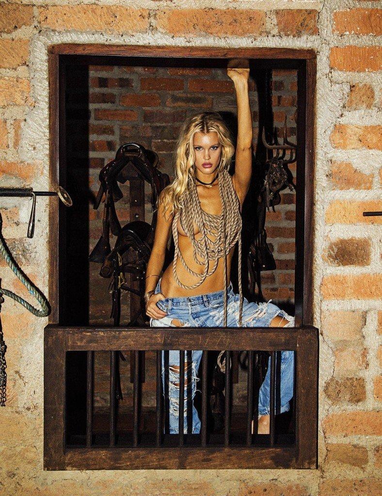 Joy Corrigan Nude & Sexy (13 Photos)
