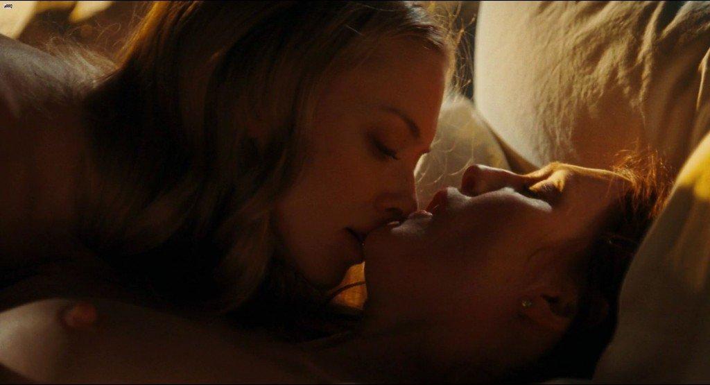 Julianne Moore, Amanda Seyfried Nude, Nina Dobrev Sexy – Chloe (2009) HD 1080p