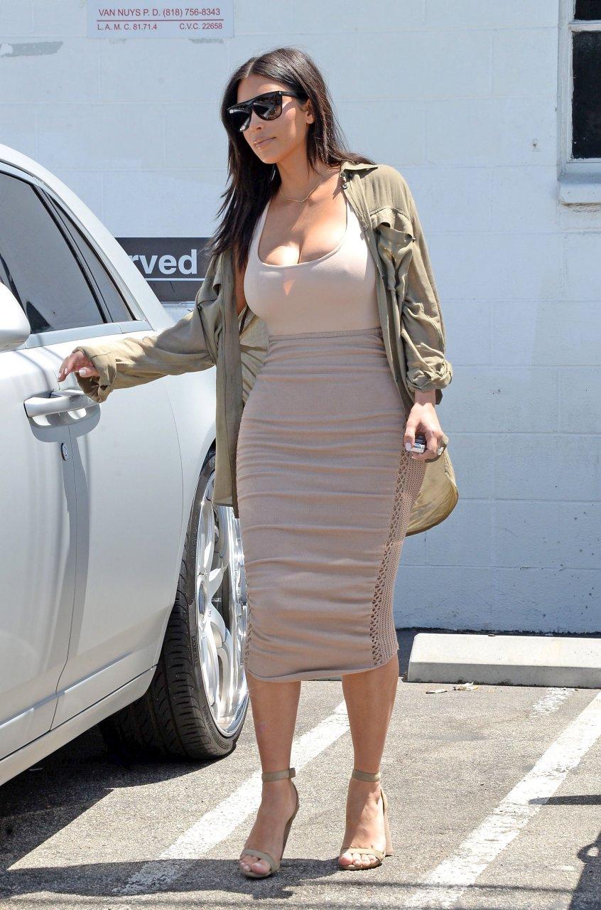 kim kardashian erotic pics