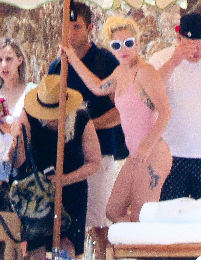 Lady Gaga Sexy (46 Photos)