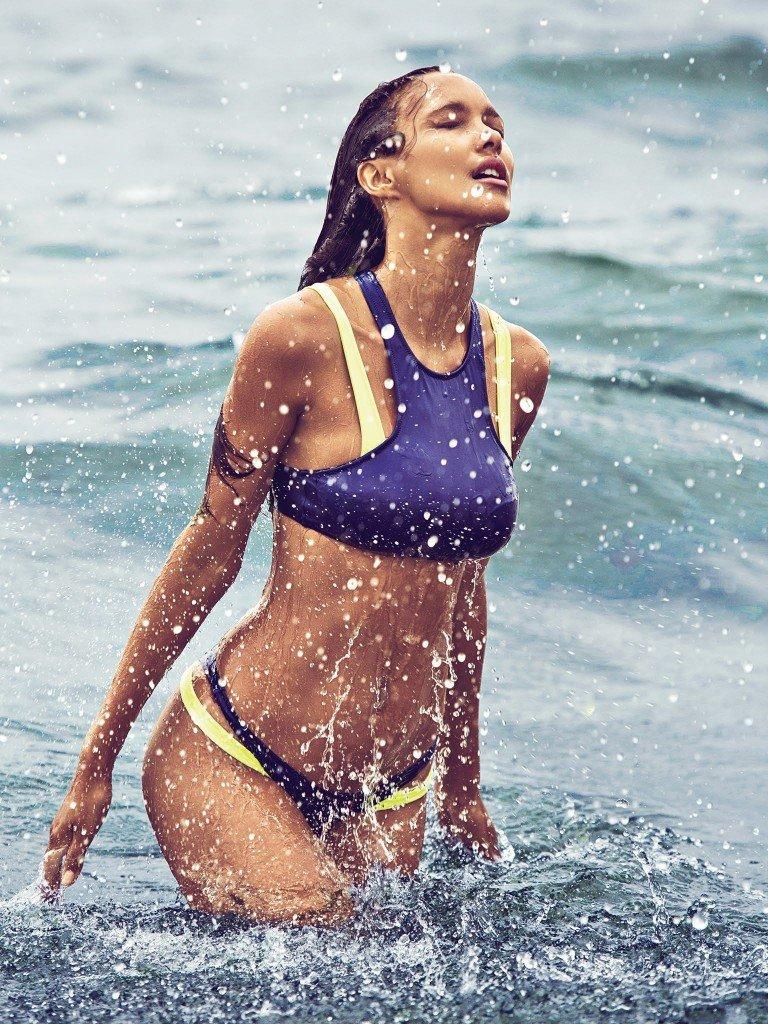 Lais Ribeiro Nude & Sexy 4