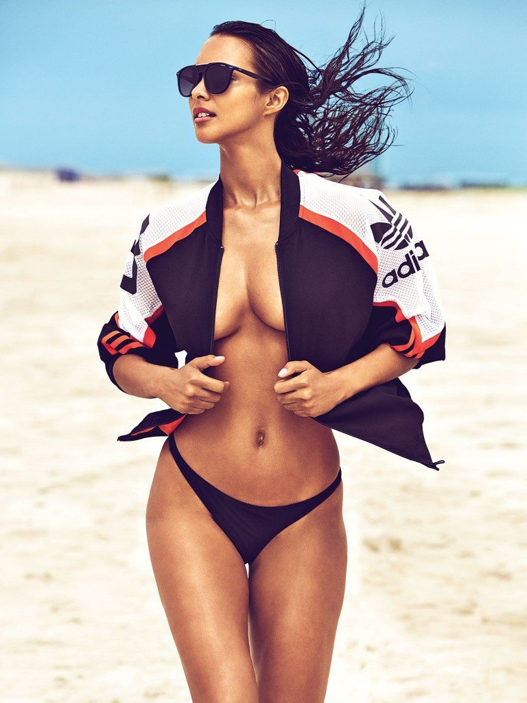Lais Ribeiro Nude & Sexy 6