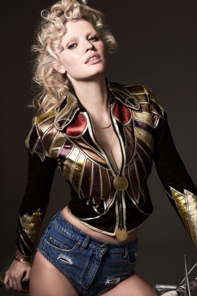 Lara Stone Sexy (10 Photos)