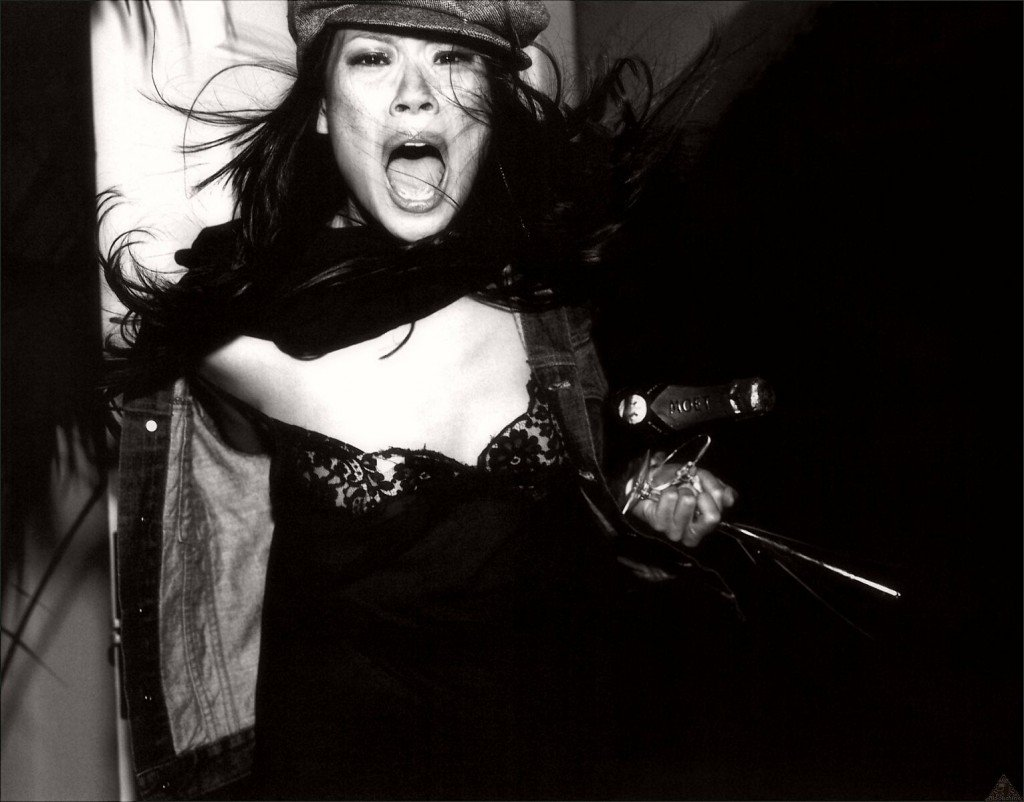 Lucy Liu Sexy & Topless (9 Photos)
