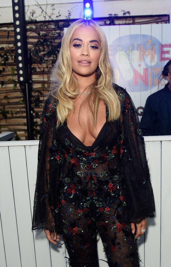Rita Ora Cleavage (7 Photos)