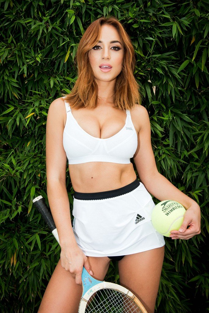 Rosie Jones Sexy and Topless (Page 3 – 4 Photos)