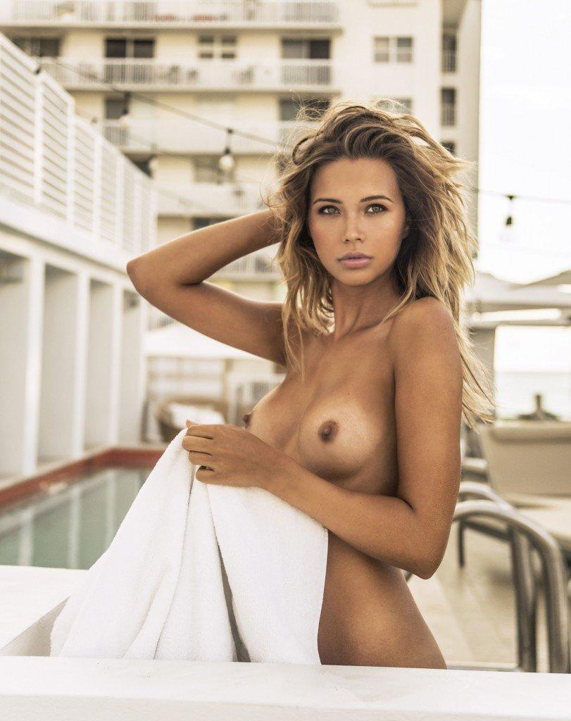 Sandra Kubicka Nude & Sexy 21