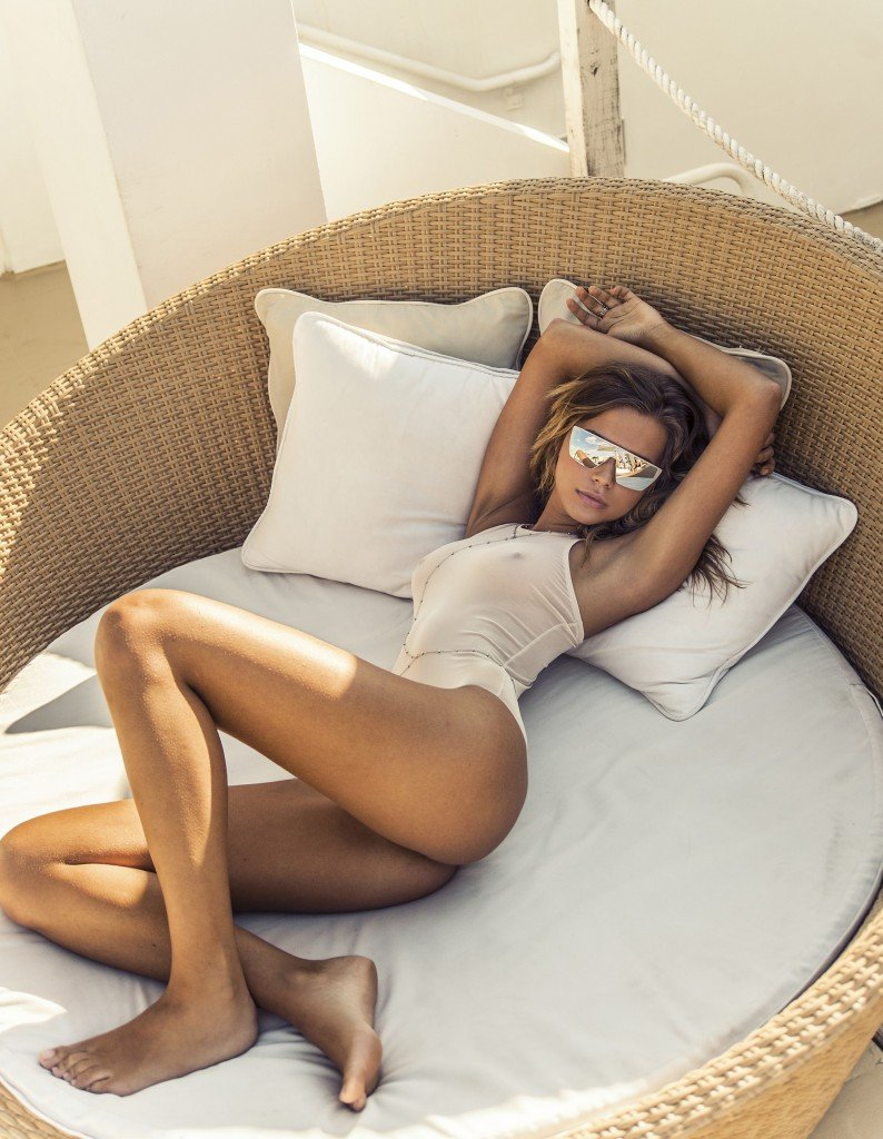 Sandra Kubicka Nude & Sexy 24