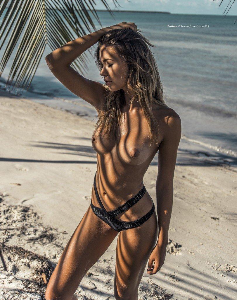 Sandra Kubicka Nude & Sexy 4