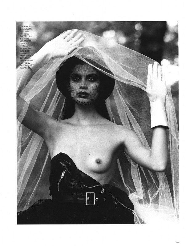 Sara Sampaio Topless 1