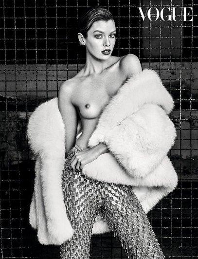 Stella Maxwell Sexy & Topless 2
