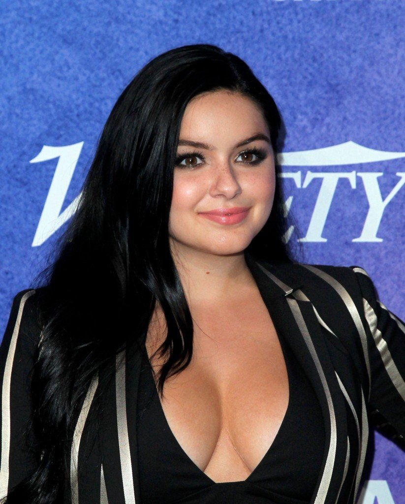 Ariel Winter Cleavage 3