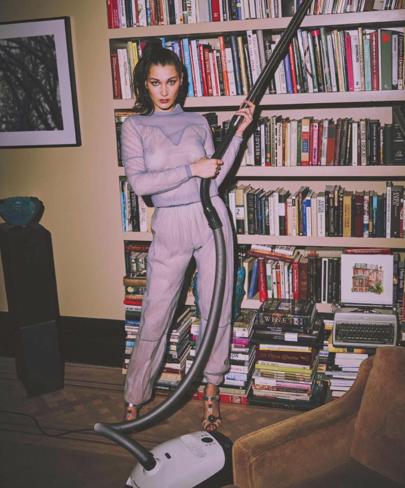 Bella Hadid Sexy Harper's Bazaar ES 1