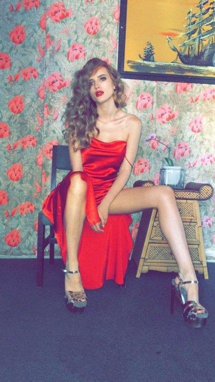 Bella Thorne Sexy (10 Photos & 7 Videos)