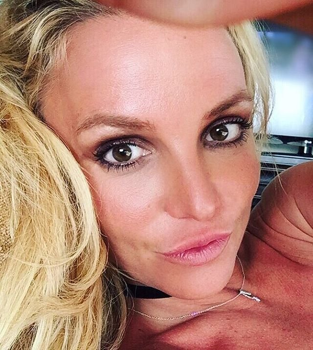 Britney Spears Sexy (2 Photos)