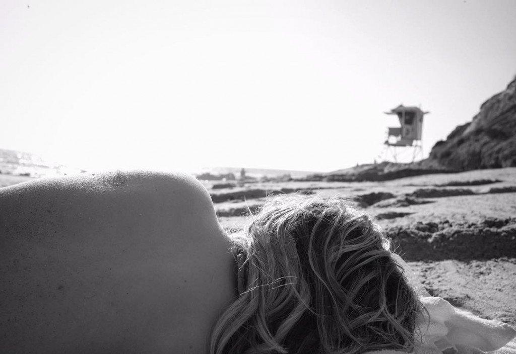 Chloe Grace Moretz Sexy (2 Photos)