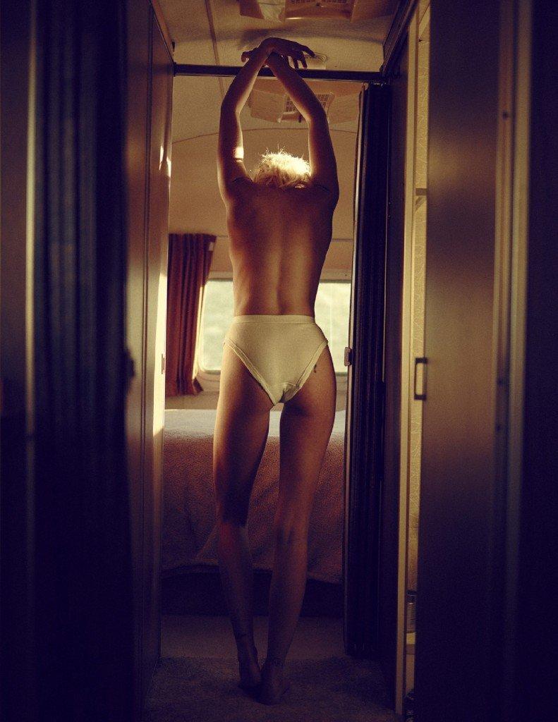 Hannah Glasby Topless (7 Photos)