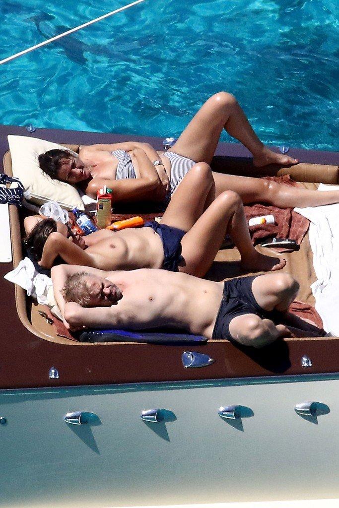 Jade Jagger Topless (42 Photos)