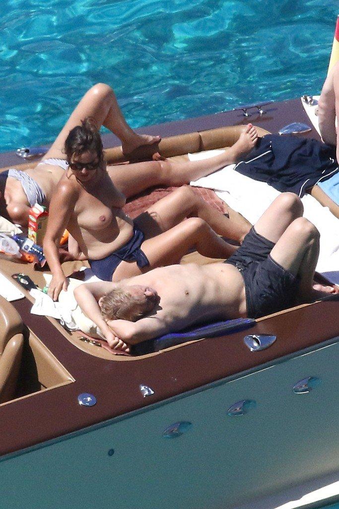 Jade Jagger Topless 3