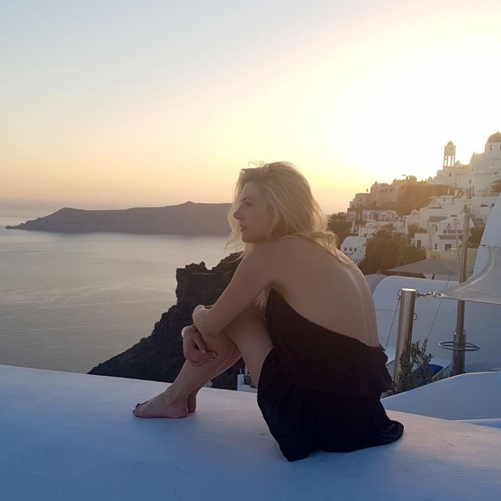 Katheryn Winnick Sexy & Topless 8