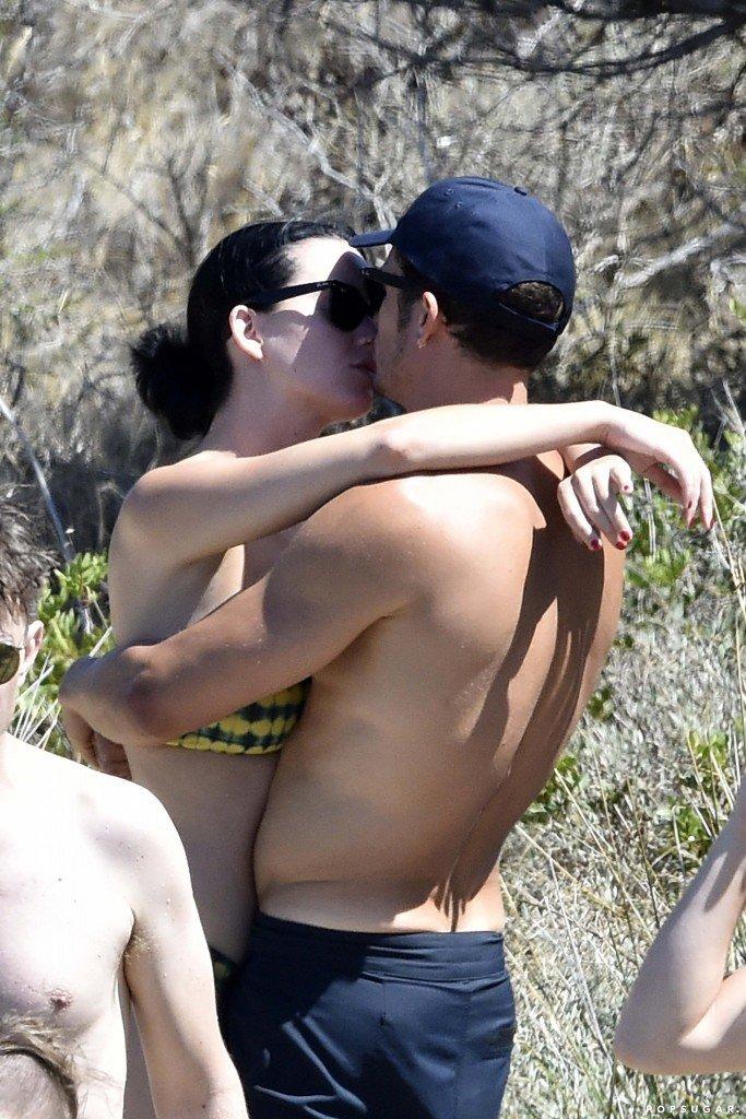 Katy Perry Sexy (41 Photos)