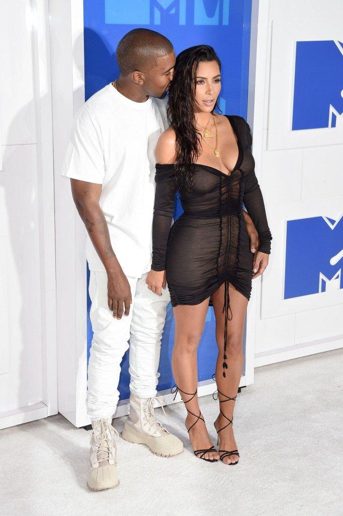 Kim Kardashian Sexy (31 Photos)