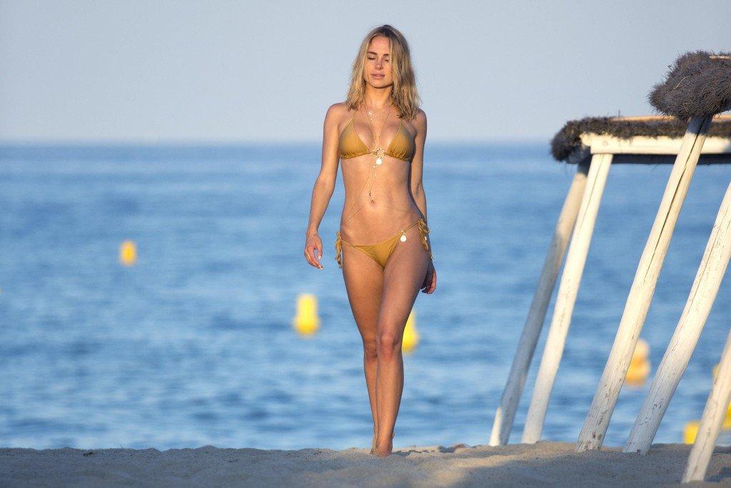 Excellent Kimberley garner bikini ass can you
