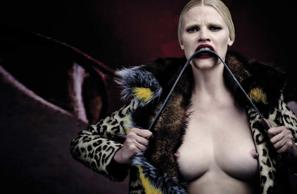 Lara Stone Nude & Sexy 7