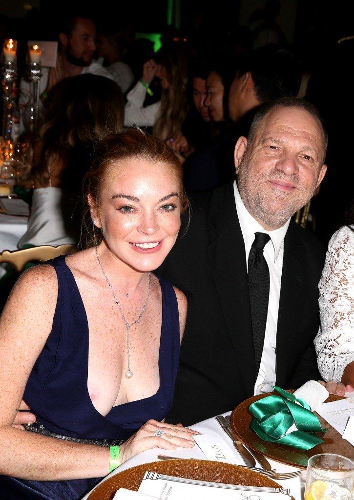 Lindsay Lohan Nip Slip (5 Photos)