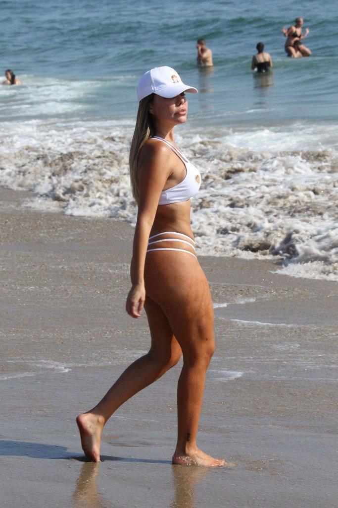 Liziane Gutierrez Sexy (41 Photos)