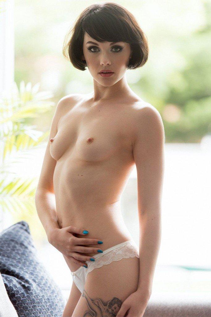 Mellisa Clarke Sexy Topless 1
