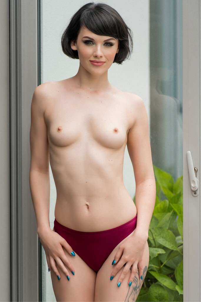 Mellisa Clarke Sexy and Topless 4