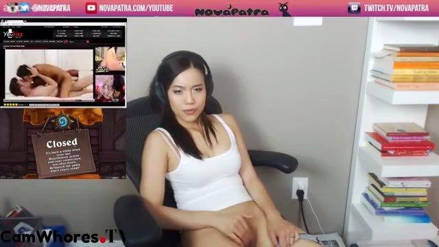 Streamerin Nackt