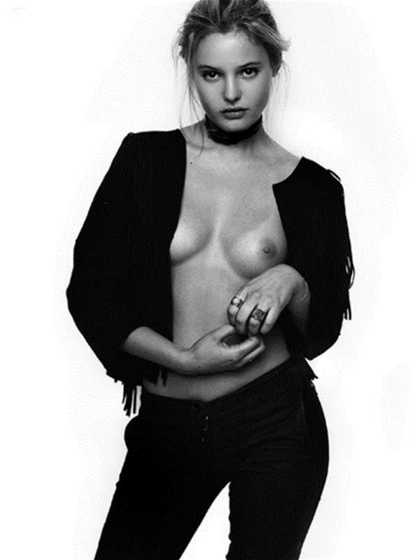 Paige Reifler Topless 1
