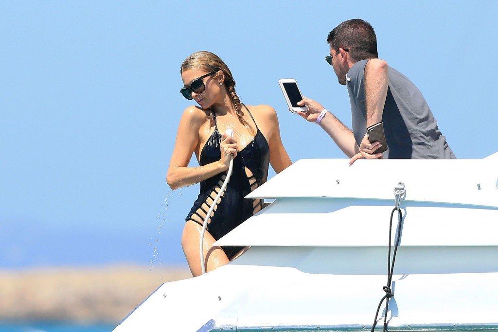 Paris Hilton Sexy (18 Photos)