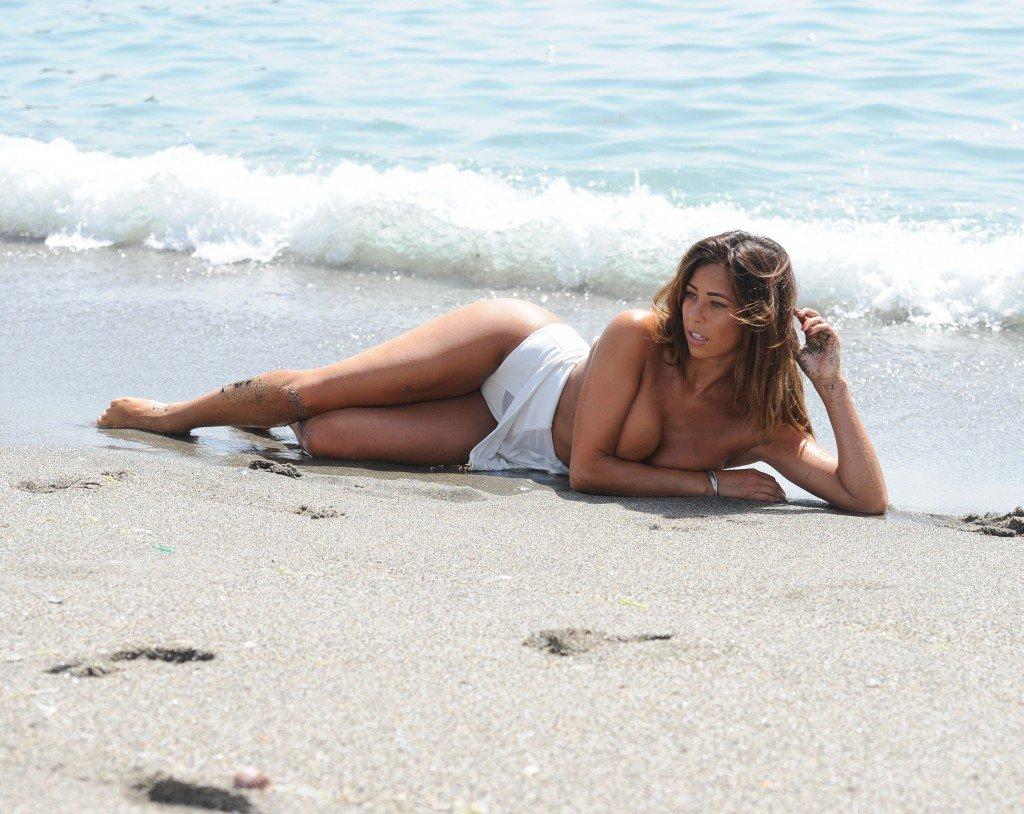 Pascal Craymer Nude (9 Photos)