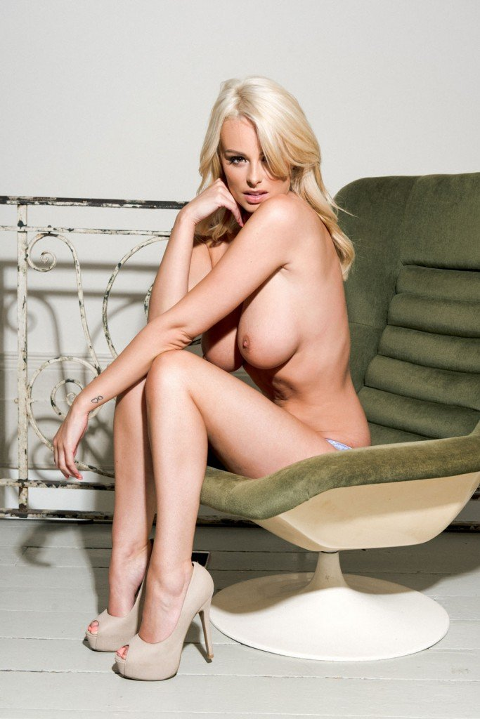 Rhian Sugden Topless (4 Hot Photos – Page 3)