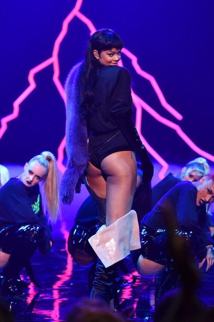 Rihanna Ass (26 Photos)