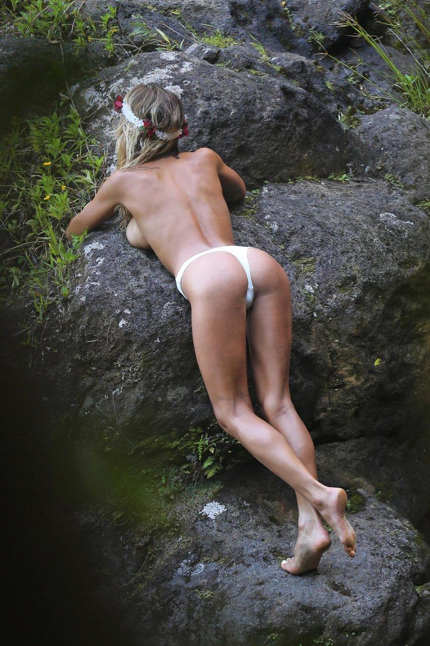 Boobs Sarah Leann Nude Scenes